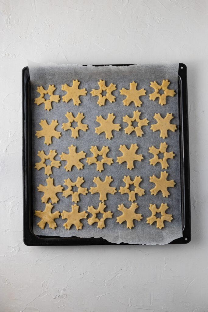 Low FODMAP Linzer Cookies